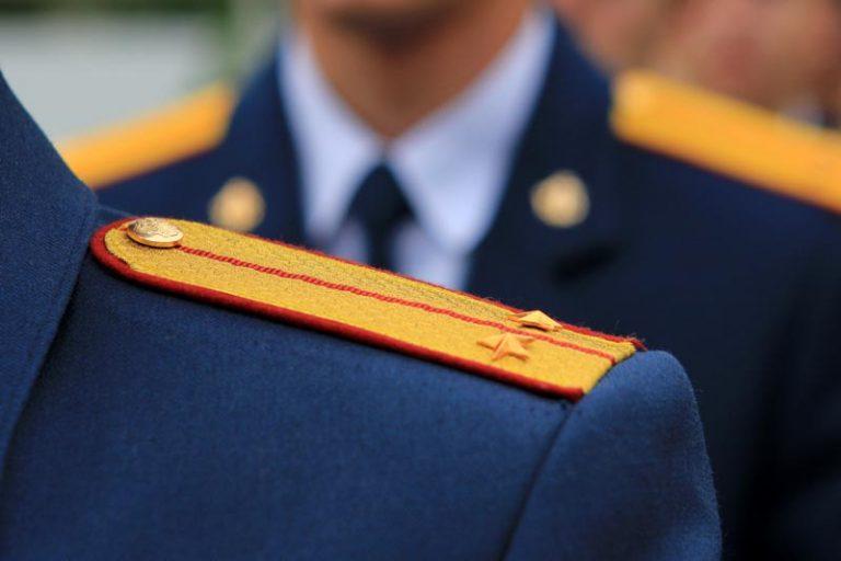 Розовая, картинка с присвоением звания старший лейтенант